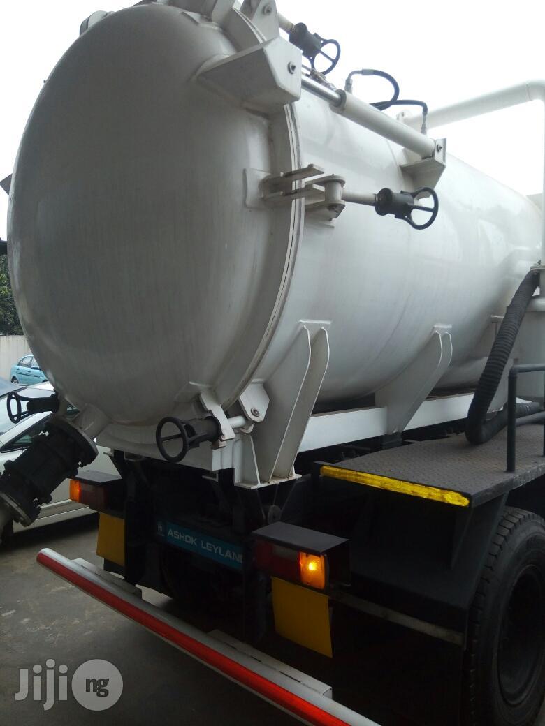 Brand New 8,000ltrs Sewage Truck 2016 4sale | Trucks & Trailers for sale in Amuwo-Odofin, Lagos State, Nigeria