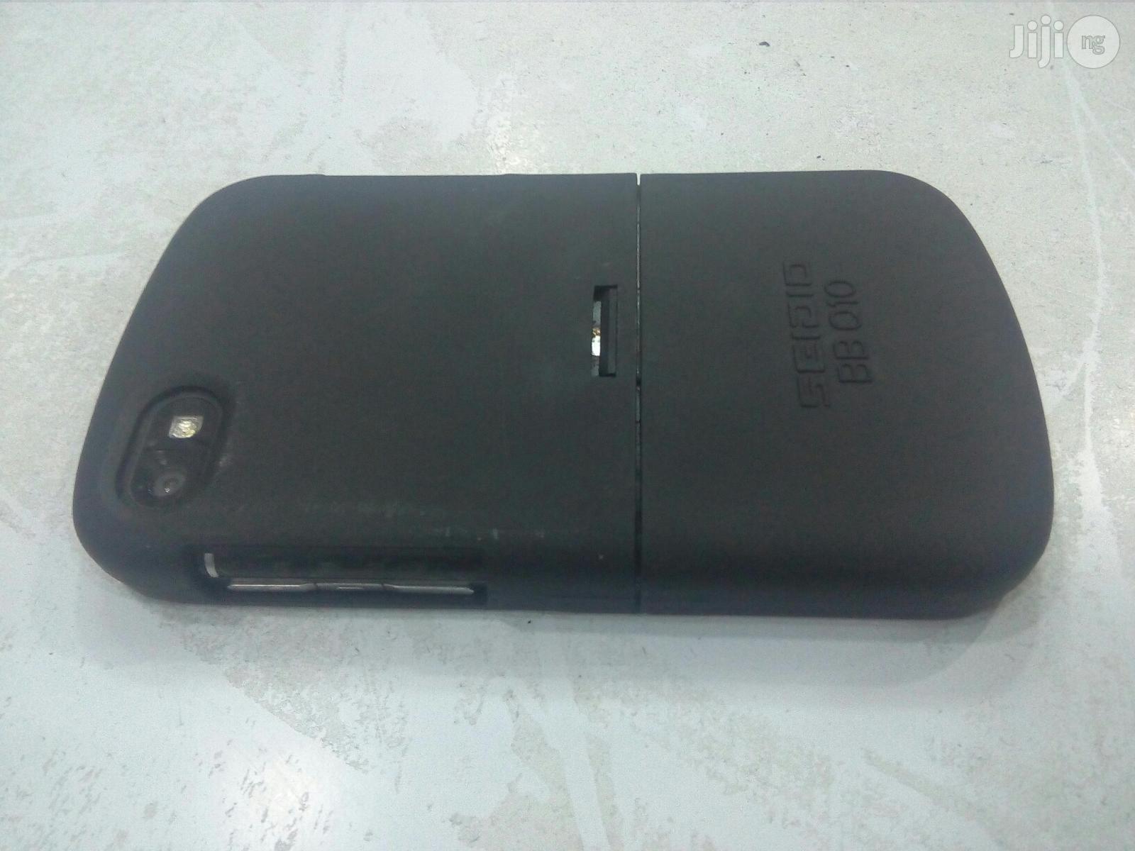 Archive: Blackberry Q10 Black 16GB