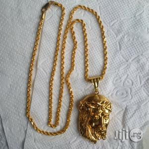 ITALY 916 Tested 22krt Gold Twisted Design Wit Jesus Piece Pendant   Jewelry for sale in Lagos State, Lagos Island (Eko)