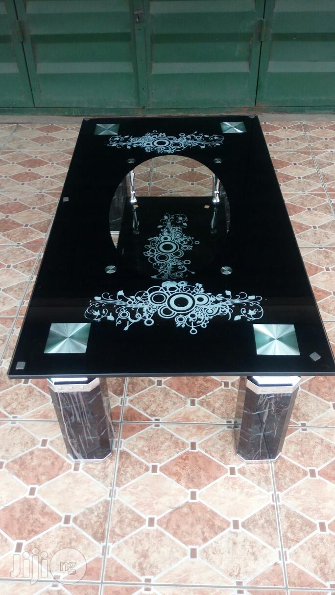 High Quality And Unique Temperd Glass Center Table Black And Brown