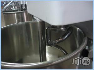 Spiral Dough Mixer 12.5kg Flour Capacity With 35L Bowl (Quarter Bag)