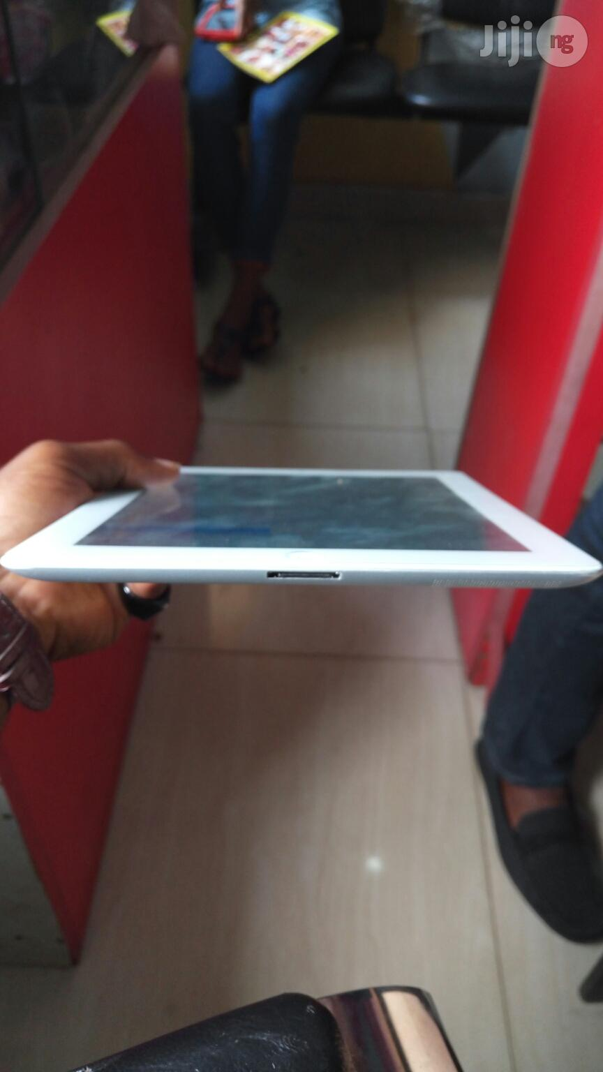 UK Used Apple iPad 3 Silver 32Gb | Mobile Phones for sale in Ikeja, Lagos State, Nigeria