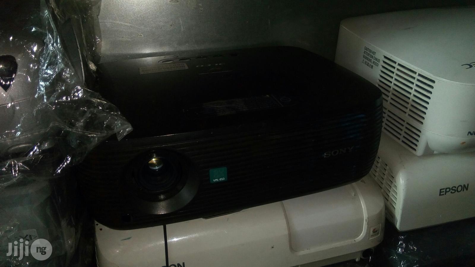VPL-ES3 Sony Projector