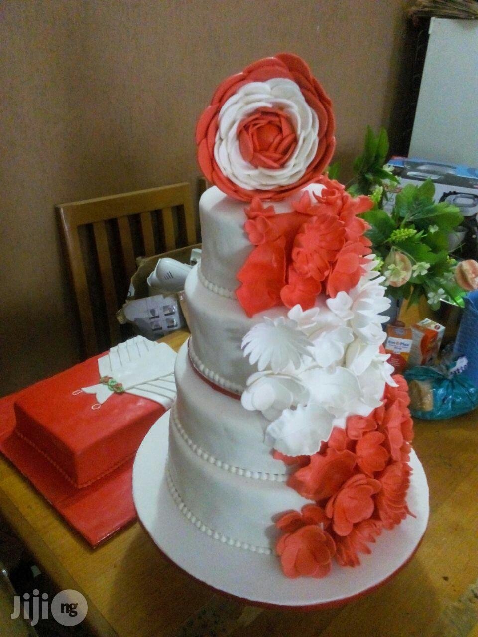 Archive: Special Traditional Marriage/ White Wedding Cakes