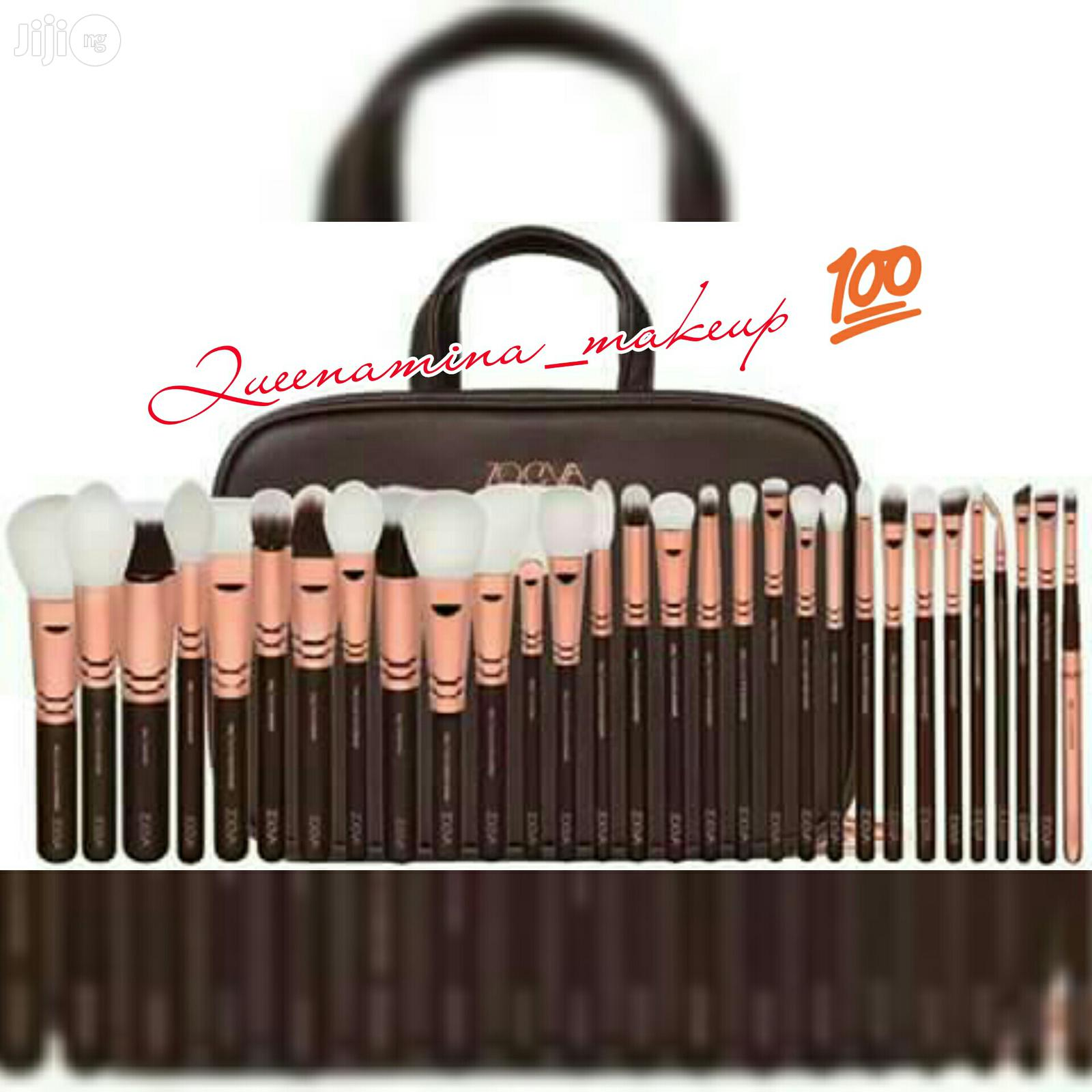 Zoeva 30pcs Proffesional Brush Set With A Make-up Leather Bag