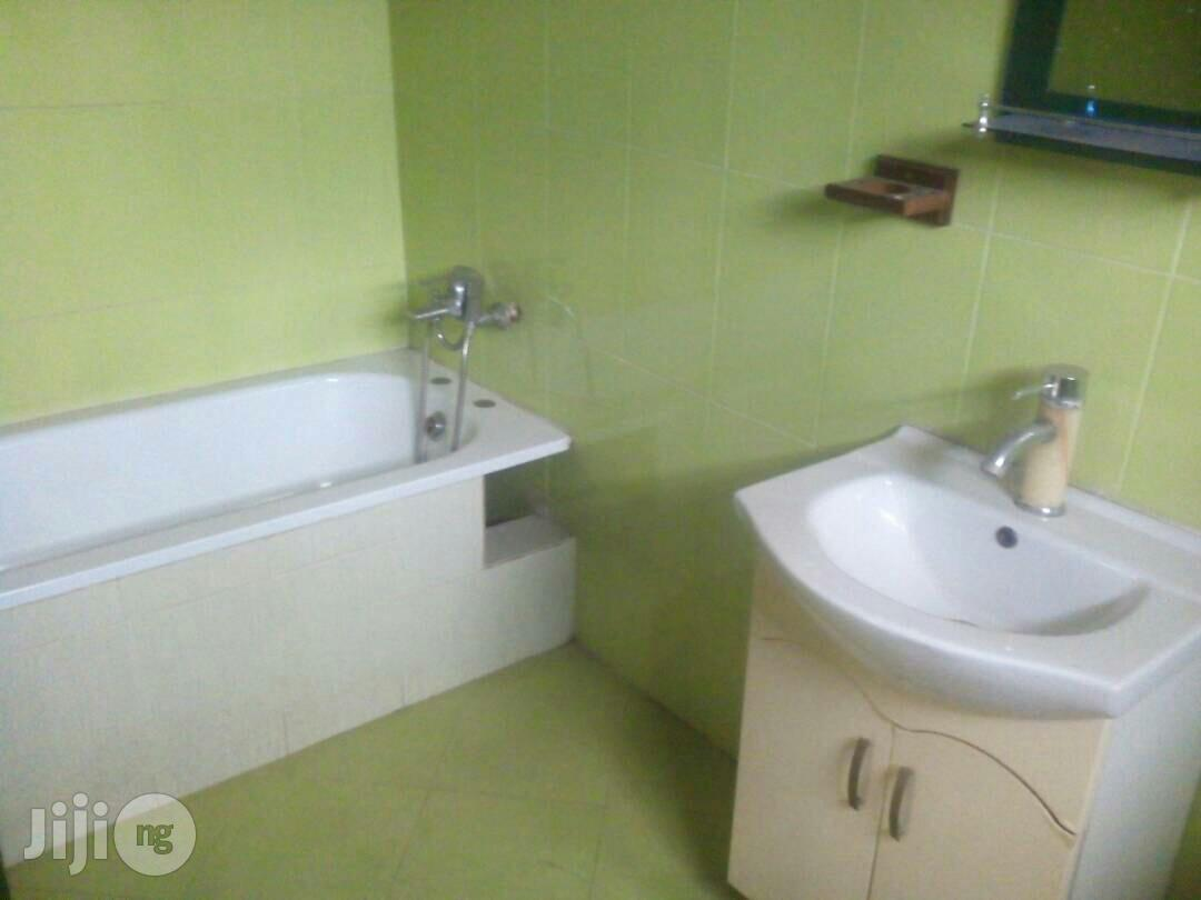 Archive: 5 Bedroom Duplex In Magodo Phase 1