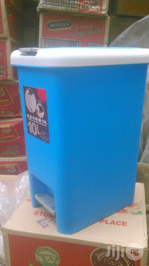 High Quality Unique 10litr Plastic Step Pedal Waste Bin | Home Accessories for sale in Ojo, Lagos State, Nigeria