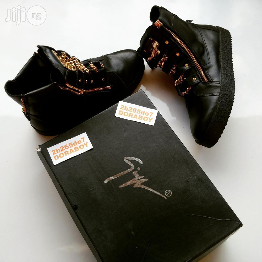 Giuseppe Zanotti Gold Chain Strap Hi Top Sneakers
