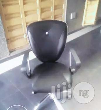 Top Class Office Swivel Chair