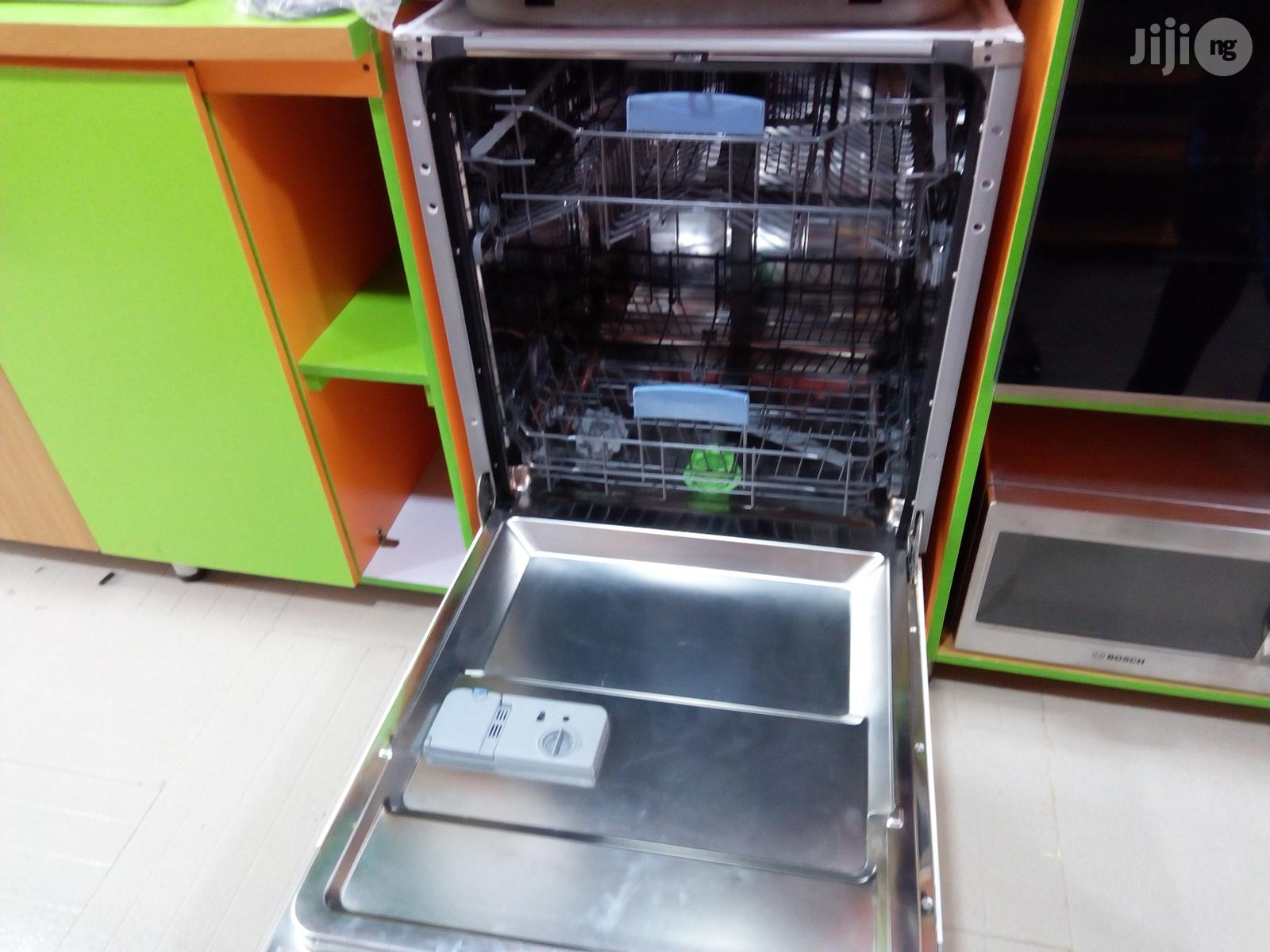 Sharp Dish Washer