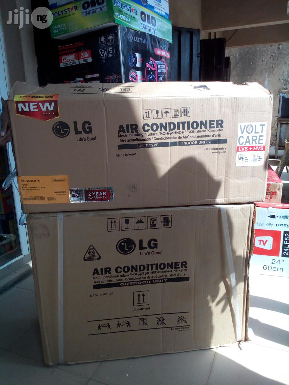 LG Air Conditioner 1.5hp With Kit