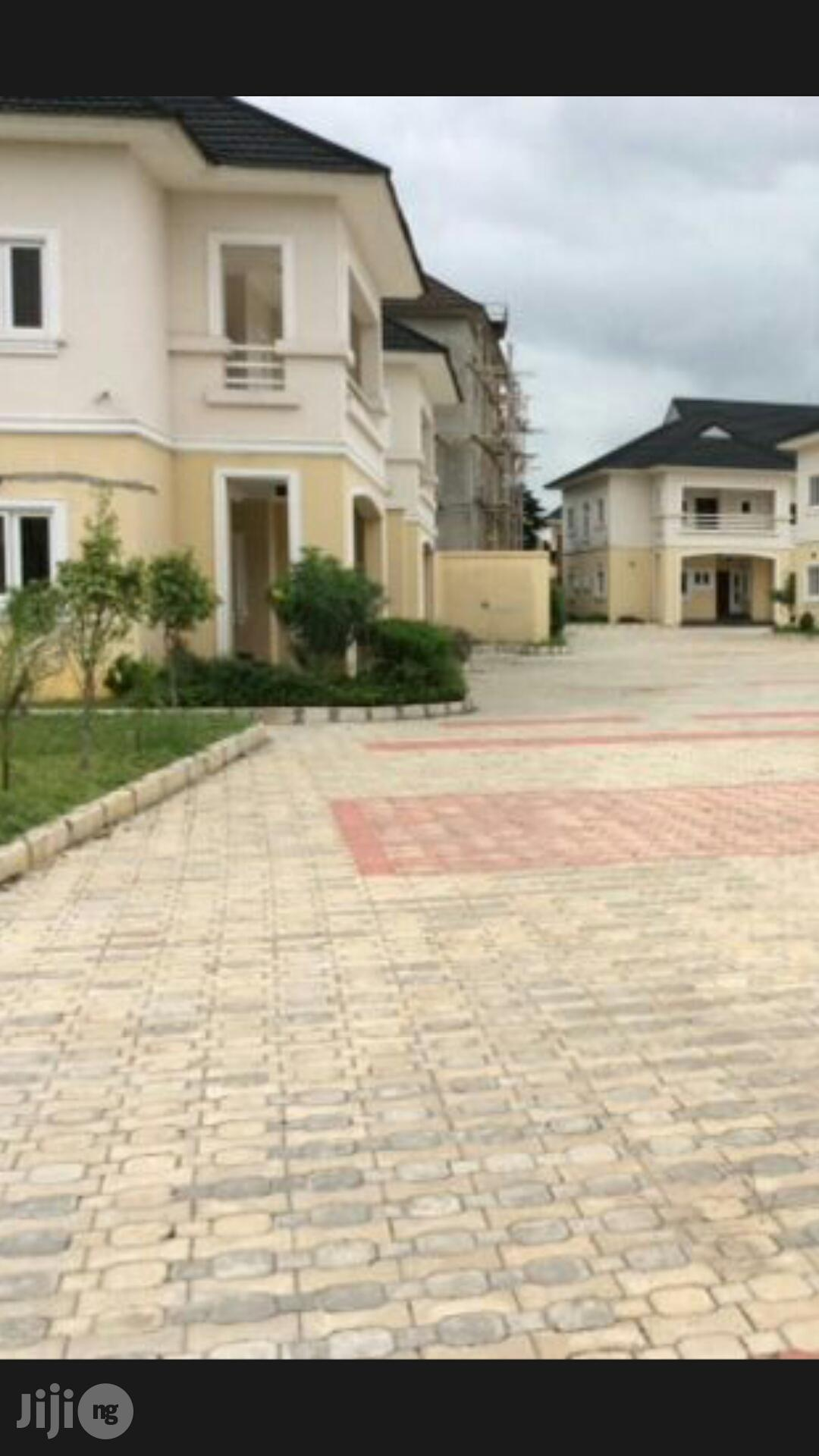 4bedroom Semi Detached Duplex to Let in Odili Road 3m