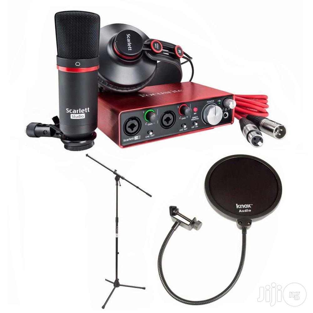 Scarlett 2i2 Studio Pack, Pop Filter Mic Stand