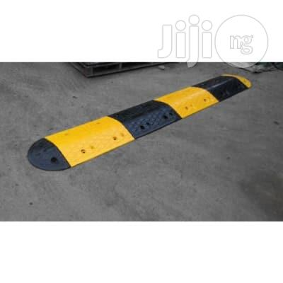 7m Rubber Traffic Speed Breaker Bump Hump With End Caps