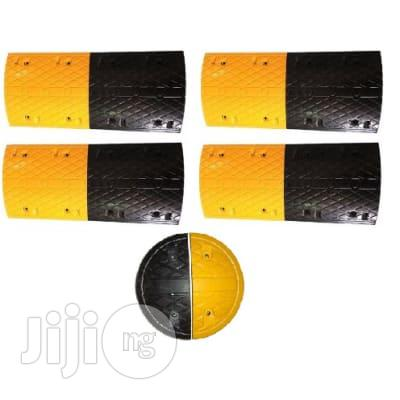 HIPHEN 4m Rubber Traffic Speed Breaker Bump Hump With End Caps