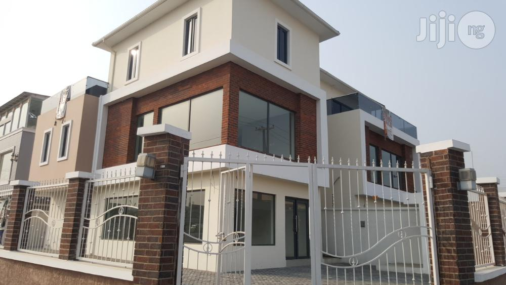 New Ultra Modern Office At Lekki Phase 1 For Sale.