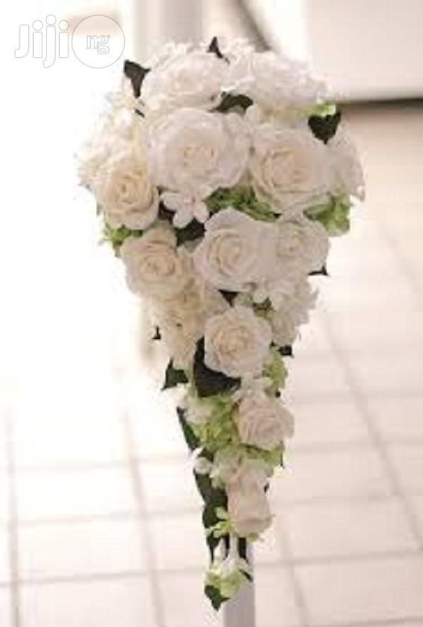 Archive: Natural Bridal Bouquets
