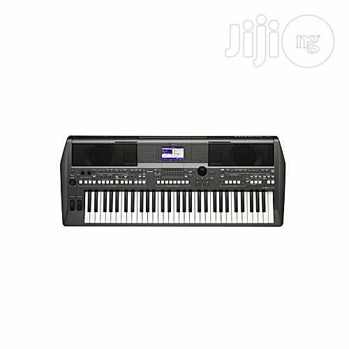 Yamaha PSR-S670 With Adaptor 61 Key