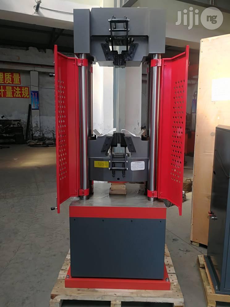 Universal Testing Machine (UTM) 300KN Digital