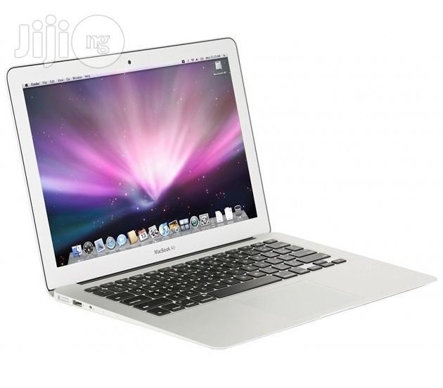 "New Apple Macbook Air MQD32LL/A 13.3"", Core I5, 8gb Ram"