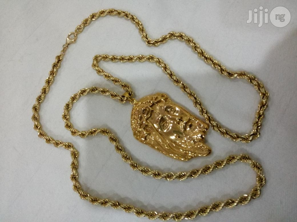 Pure ITALY 750 Solid 18krt Gold Necklace Twist With Jesus Piece