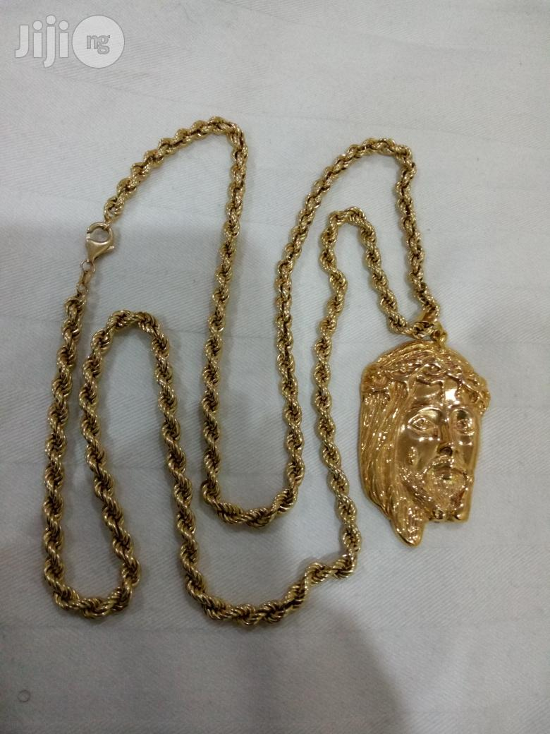Pure ITALY 750 Solid 18krt Gold Necklace Twist With Jesus Piece | Jewelry for sale in Amuwo-Odofin, Lagos State, Nigeria