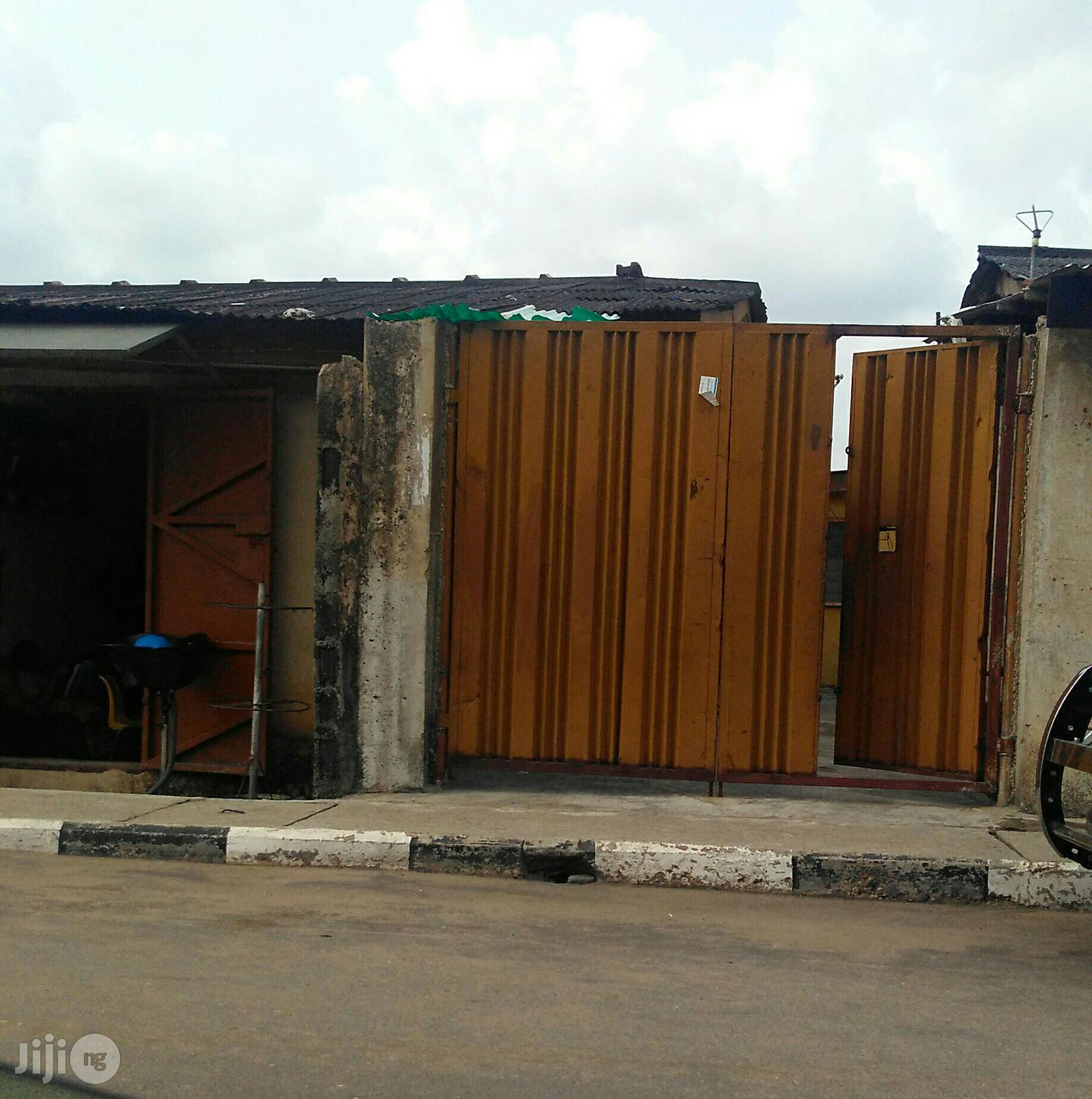 Three Bedrooms Bungalow For Sale At Surulere Lagos State | Houses & Apartments For Sale for sale in Surulere, Lagos State, Nigeria