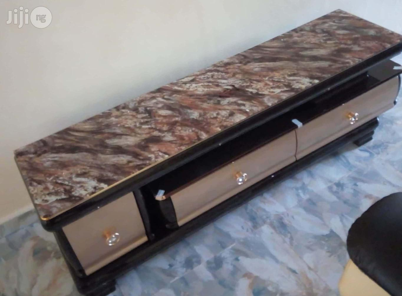 ZNF-471 Imported Adjustable Executive TV Stand Console