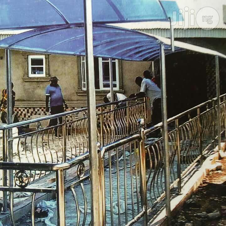 Setinless Handrails