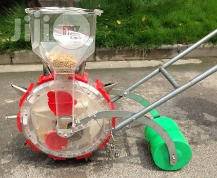 Manual Seed Planter With Fertilizers Spreader