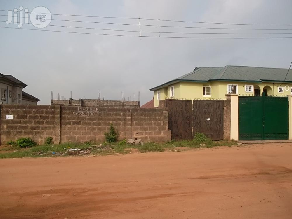 4 Bedroom Duplex With 3 Block Of 3 Bedroom Flats At Arepo Ogun State For Sale.