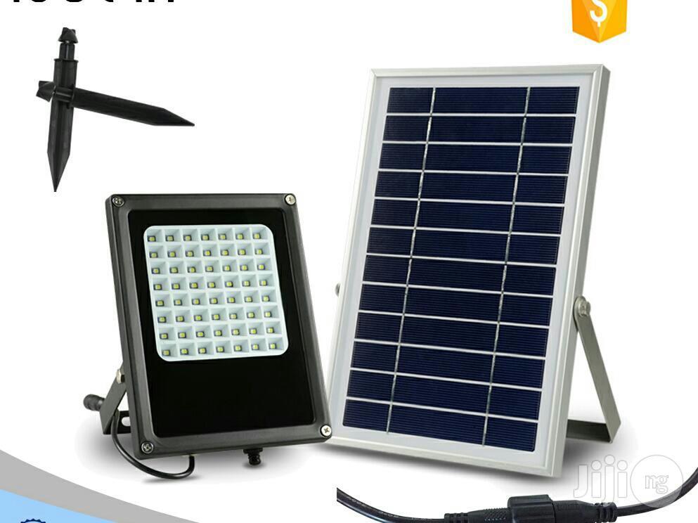 12 Leds Solar Sensor Wall And Street Light