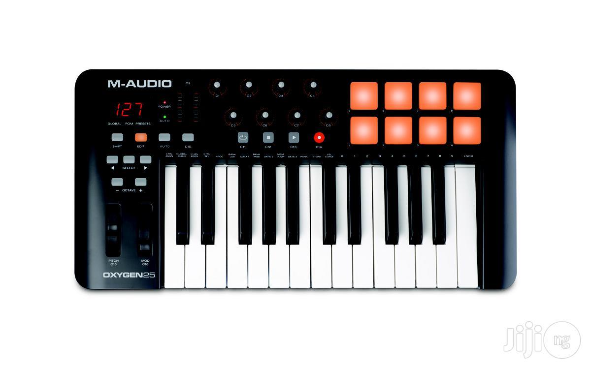 M-audio Oxygen 25 MIDI Keyboard Controller With Drumpads / Drum Pads