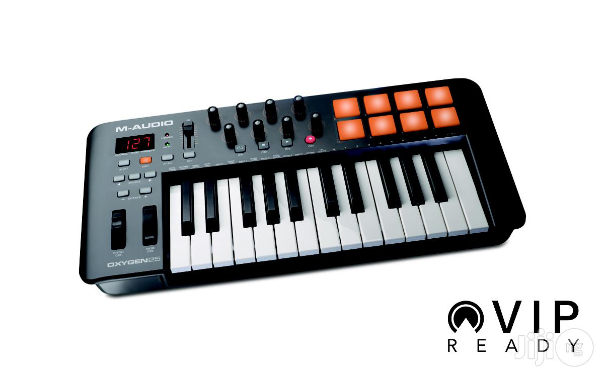 M-audio Oxygen 25 MIDI Keyboard Controller With Drumpads / Drum Pads | Musical Instruments & Gear for sale in Surulere, Lagos State, Nigeria