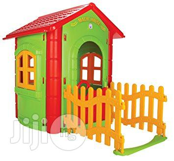 Playhouse With Hedge (170K)