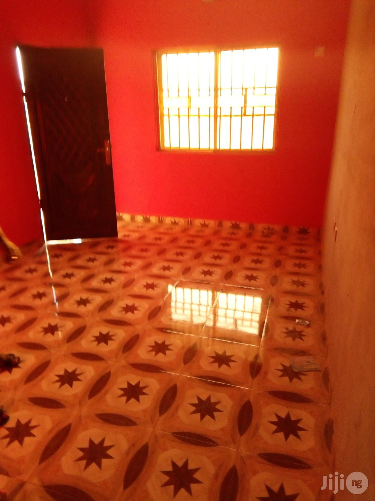Room And Parlour Self Con (Upstairs) At Macaulay | Manufacturing Services for sale in Ikorodu, Lagos State, Nigeria