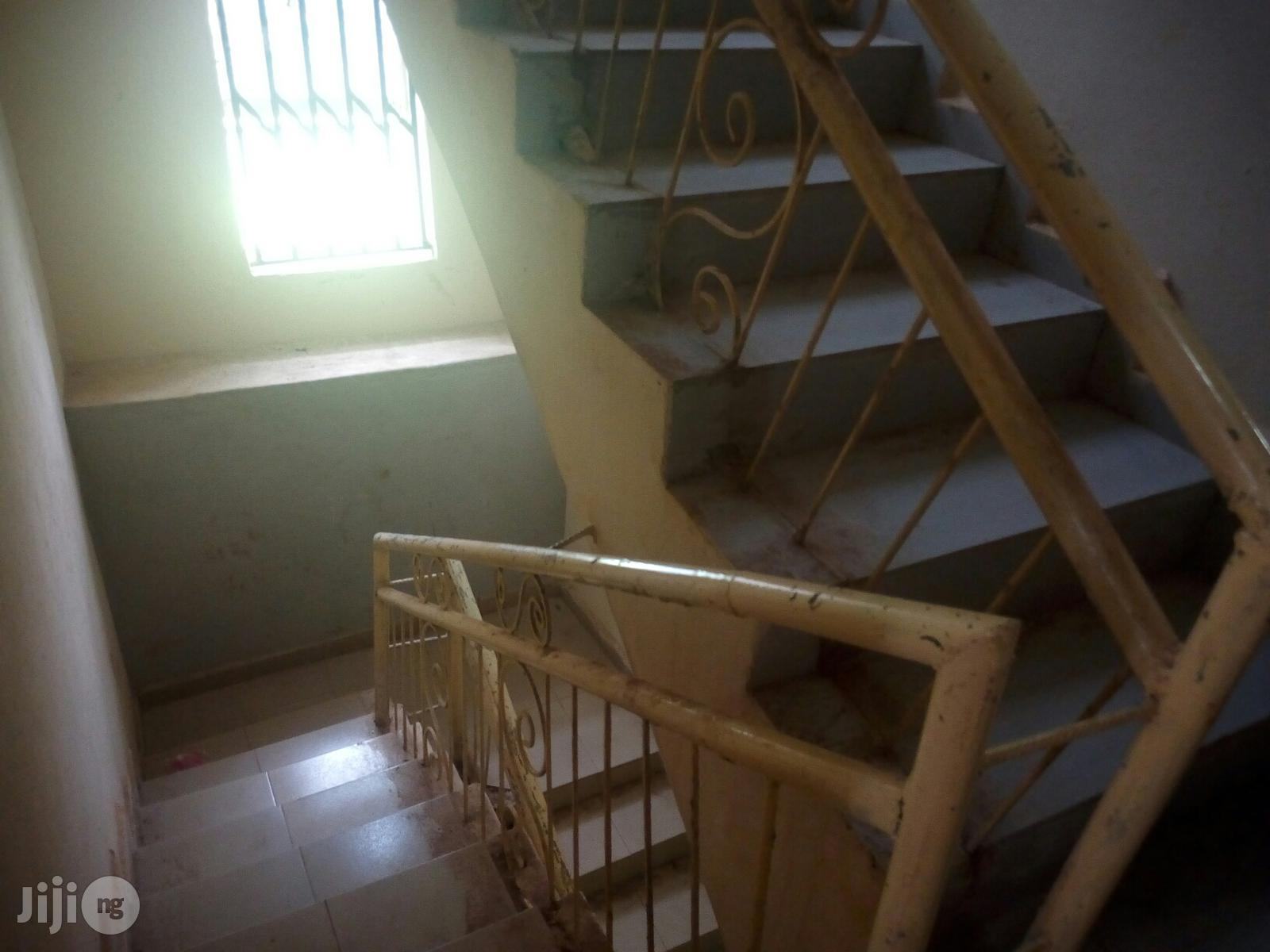 A New Selfcontained Room/Federal Light/Borehole/Owerri City/4 Rent
