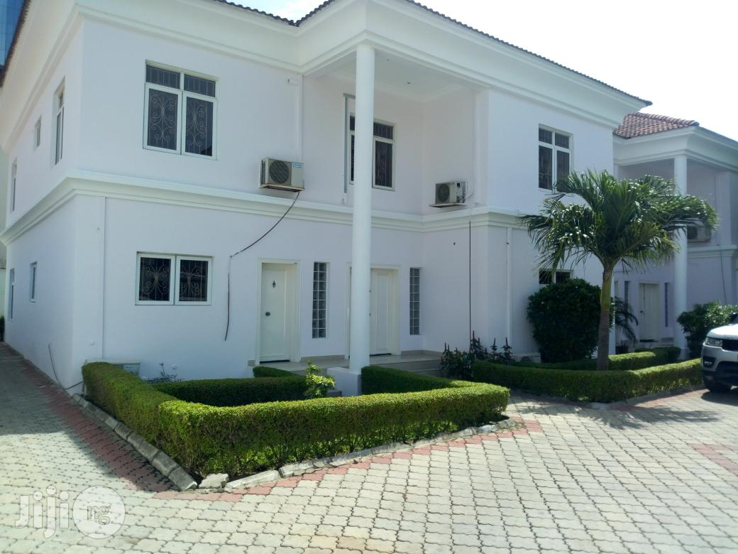 FOR LEASE: Serviced 4 Bedroom Semi Detched House With A Study Room & A Room Staff Quarters In Oniru Estate, Lagos