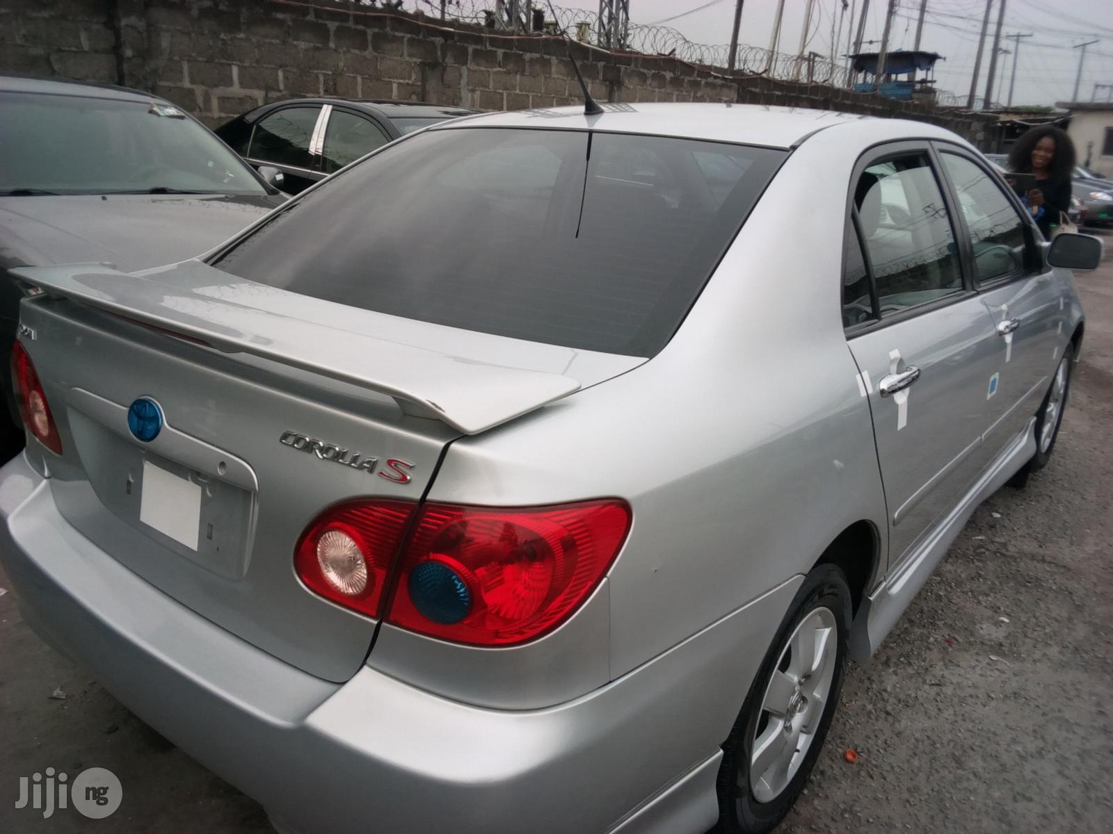 Toyota Corolla 2007 S Silver