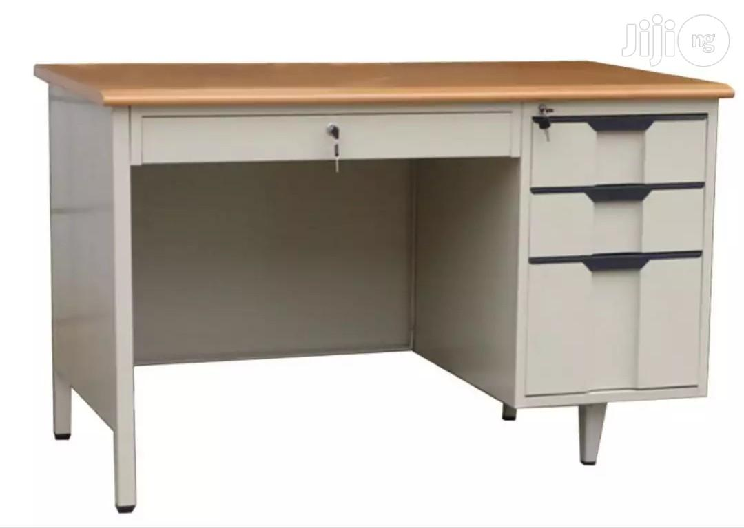 Strong Metal 4 Feet Office Table