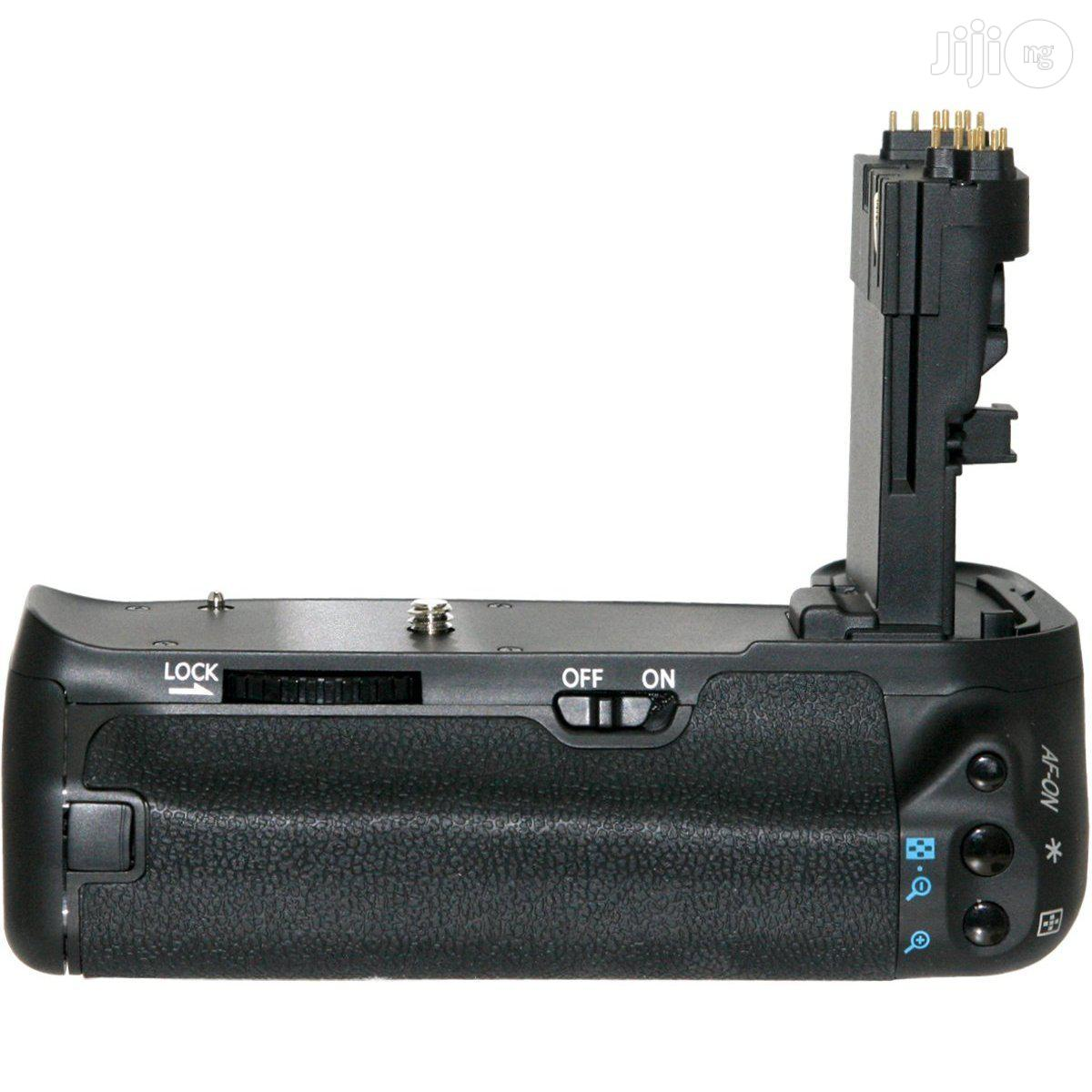 Archive: Canon BG-E14 Battery Grip For Canon 70D And 80D