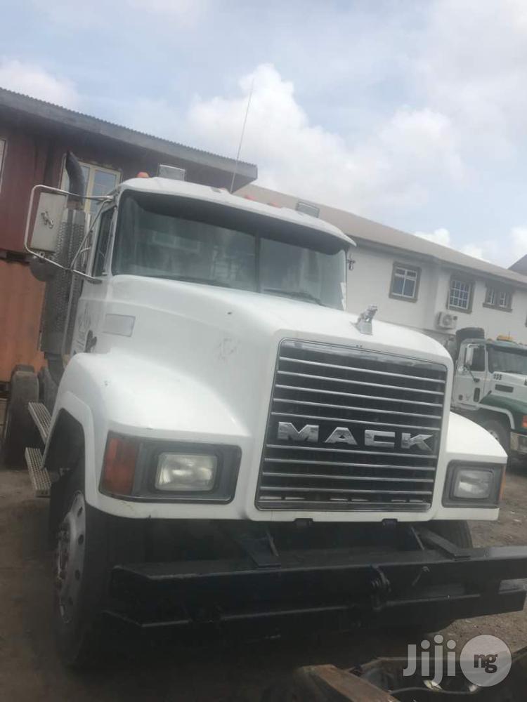 Tokunbo CH Series Mack Truck Head 1996 WHITE
