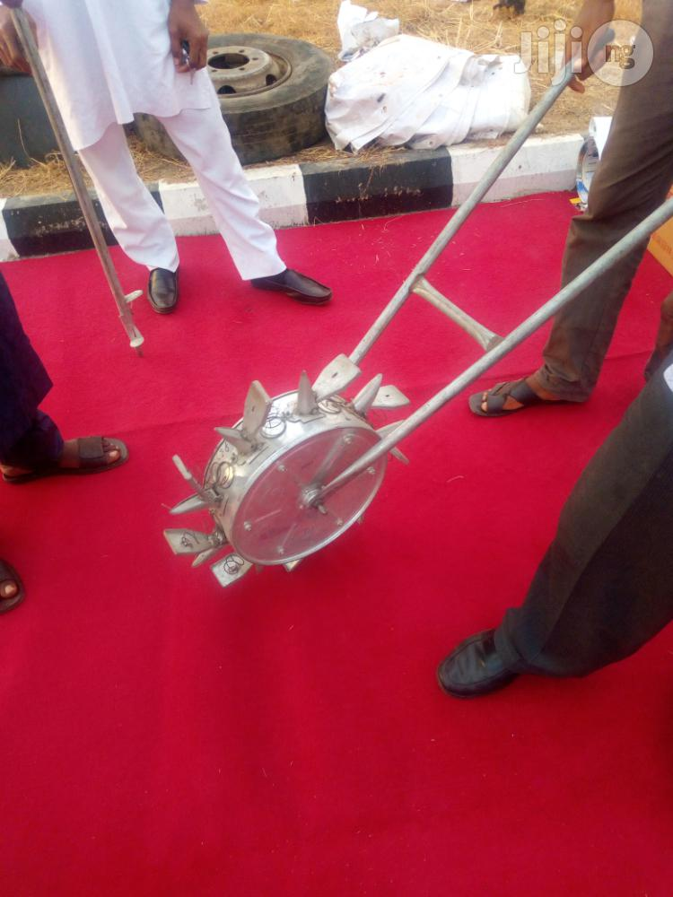 Manual Seed Planter With Fertilizers Spreader   Garden for sale in Gudu, Abuja (FCT) State, Nigeria