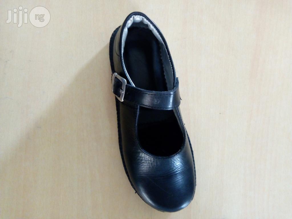 Various Design Cortina College School Foot Wears Bulk Sales