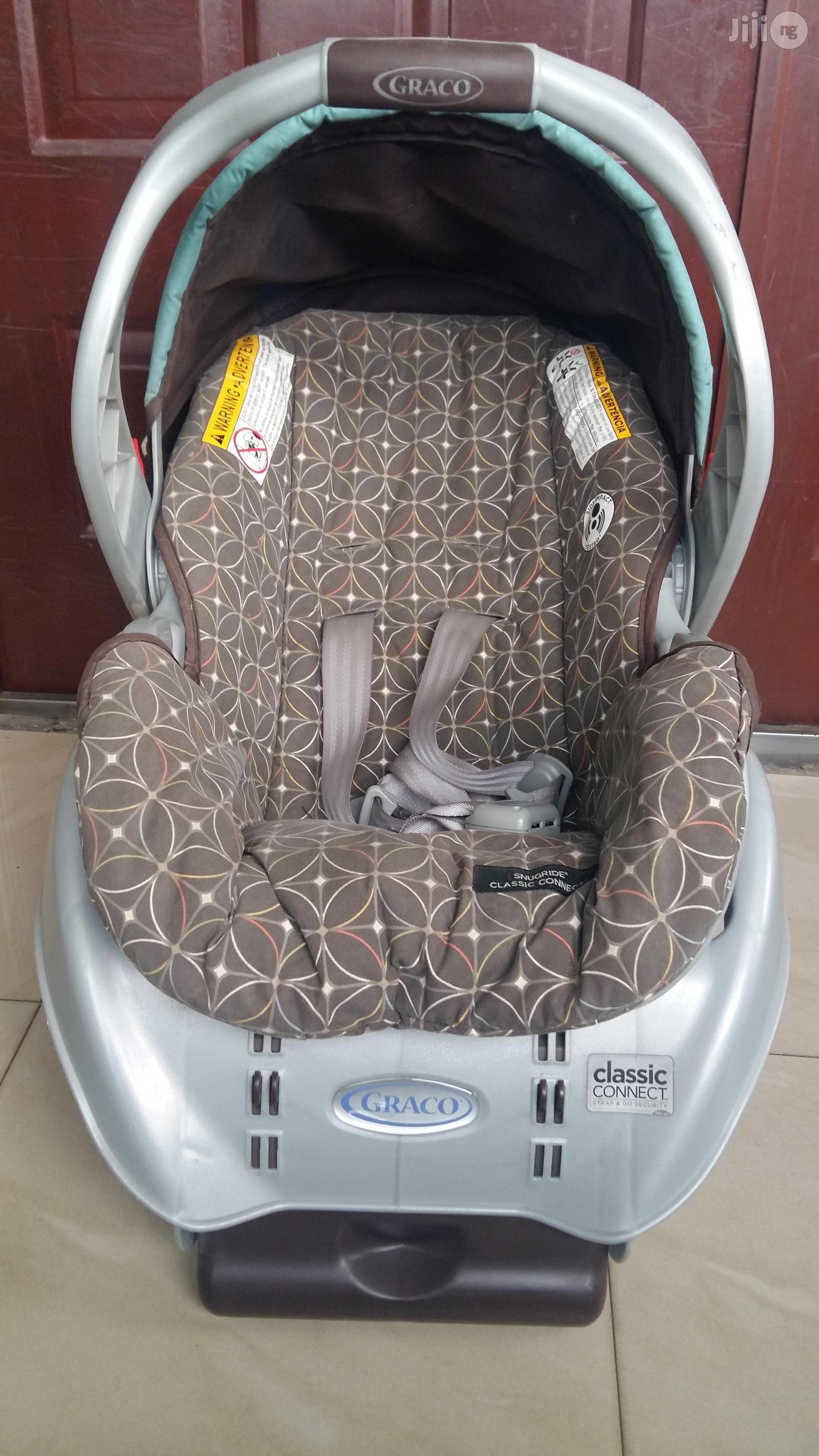 Graco Snugride Classic Connect Infant Car Seat + Stroller