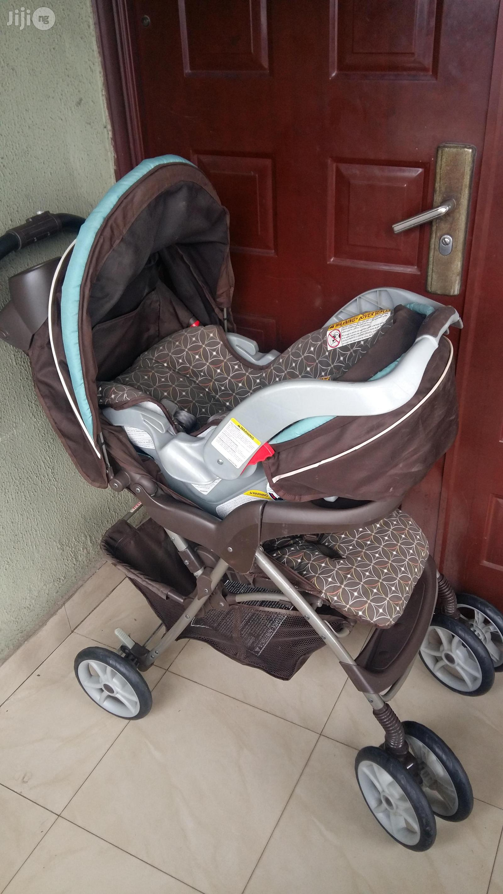 Graco Snugride Classic Connect Infant Car Seat + Stroller | Prams & Strollers for sale in Yaba, Lagos State, Nigeria