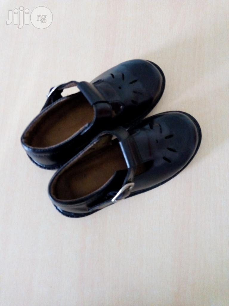 Various Design Cortina College School Foot Wears Large Quantity Sales