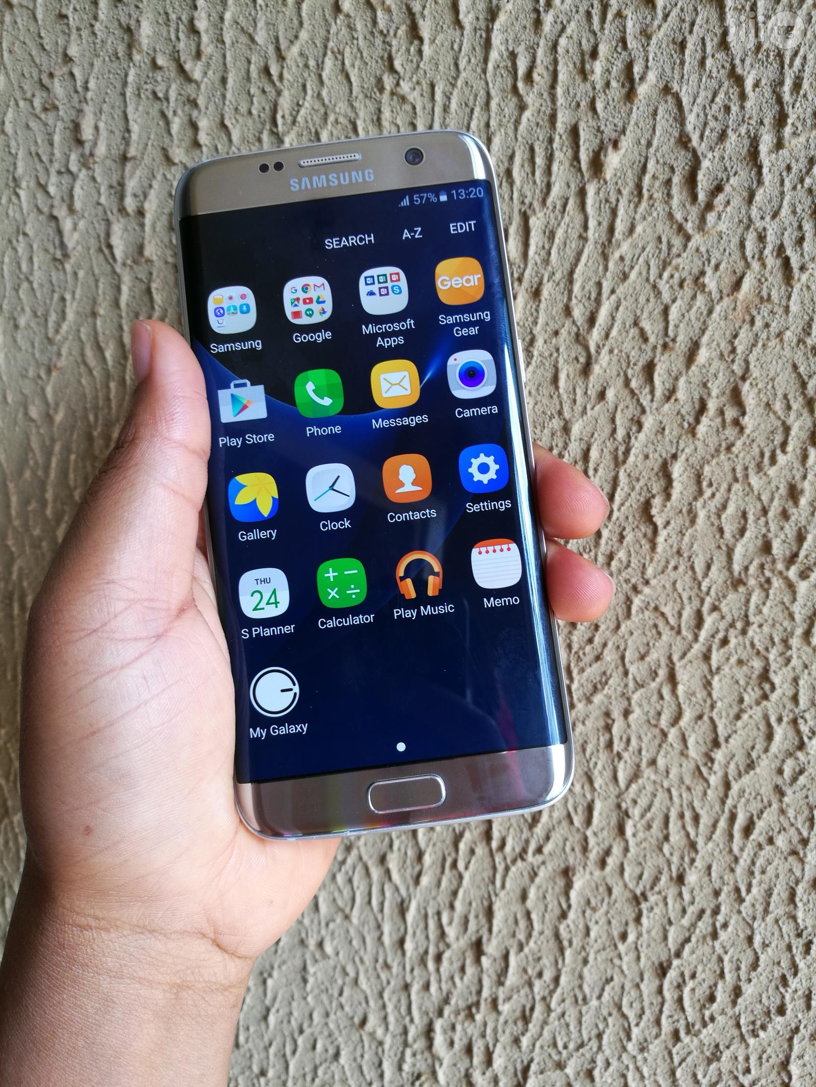 Archive: Samsung Galaxy S7 Edge Gold 32 GB