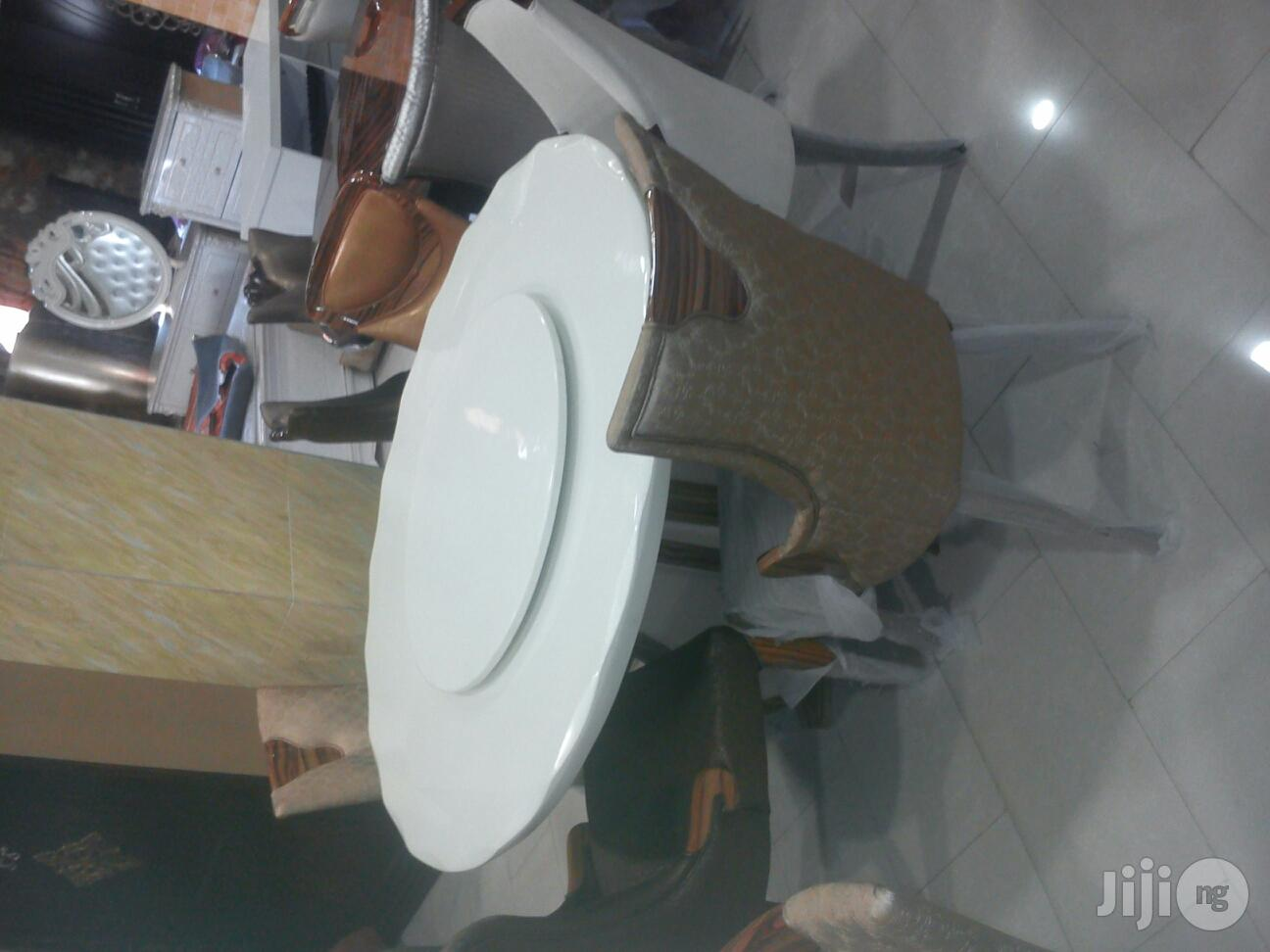 White Top Round Marble Dinning