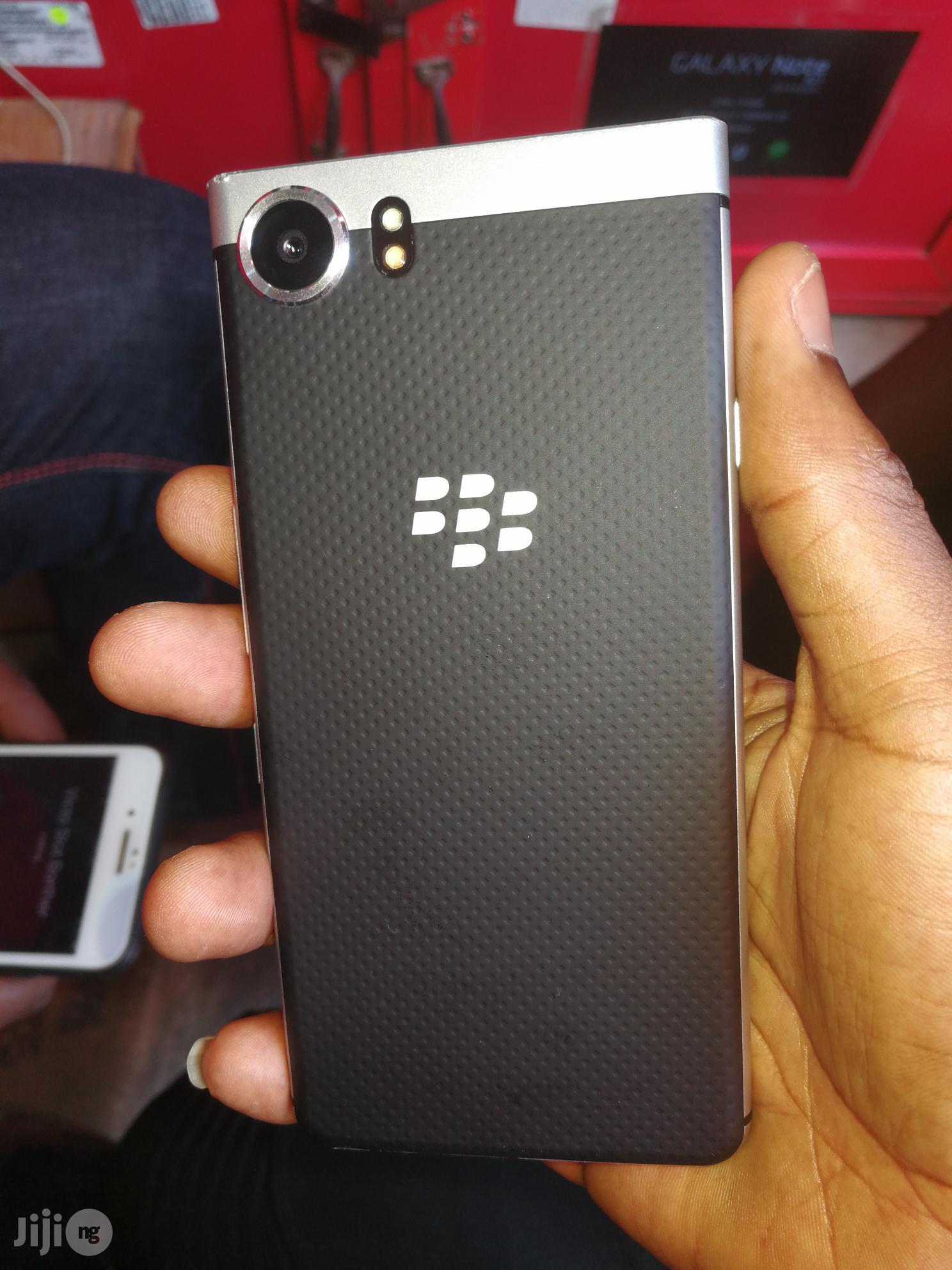 BlackBerry KEYone 32 GB Black